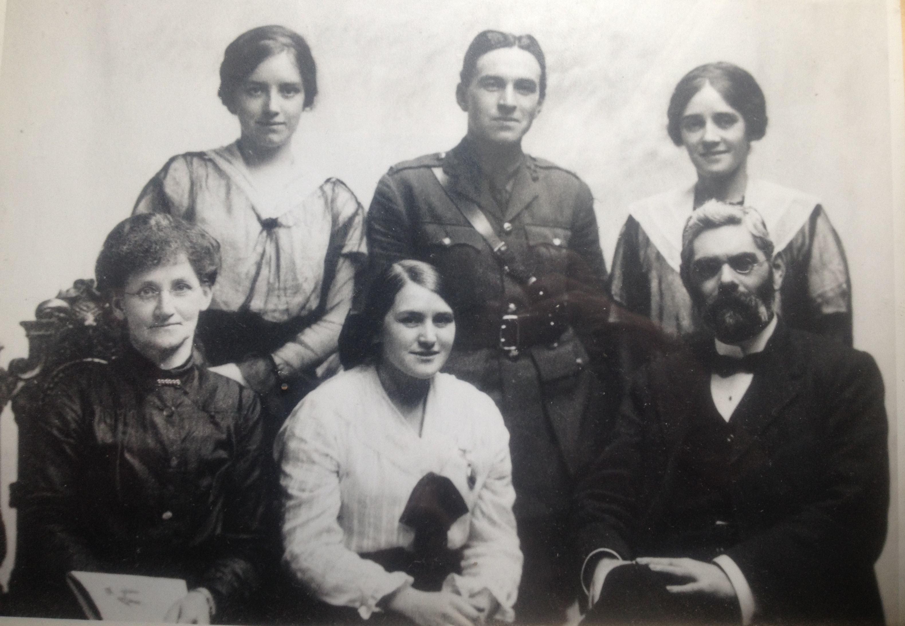 The family of Joseph and Lexy MacLeod in 1917